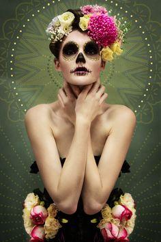 http://matryoshkawadhwani.files.wordpress.com/2013/08/sugar-skull2.jpg