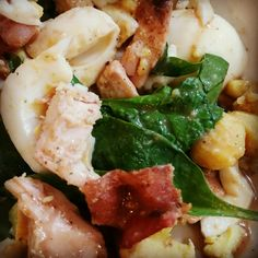 Spinach Salad with chicken, bacon, and eggs www.funfoodiefamily.com