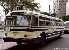 Ônibus antigos de São Paulo, Baixada e interior - SkyscraperCity Nice Bus, Nostalgia, Bonde, Bus Coach, Busses, Transportation, Tourism, City, Vehicles