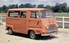 Estafette byl první Renault s pohonem předních kol. Byla to dodávka. Peugeot, Master, Vehicles, Track, Cars, Food, Automobile, Runway, Autos