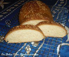 Fate l'impasto, date la forma al pane, fate lievitare in forno spento per mezz'ora, fate cuocere in forno per 45 minuti...il pane della mezz'ora è pronto!