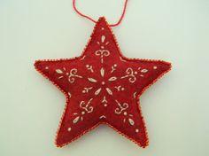 rojo bordado fieltro adornos de estrellas por nikkissglein en Etsy