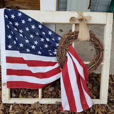 Jaw- Dropping of July Outdoor Decoration Ideas That True Patriots Would Admire 4th July Crafts, Fourth Of July Decor, 4th Of July Celebration, 4th Of July Decorations, 4th Of July Party, 4th Of July Wreath, July 4th, Farmhouse Style Decorating, Porch Decorating