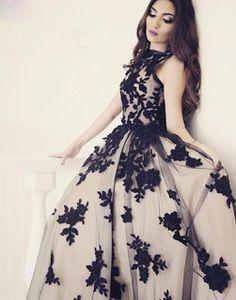 Apppliques Elegant Scoop-Neckline Ball-Gown Sweep-train Prom Dress