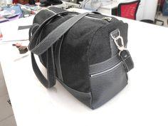 """Un très élégant sac week-end noir réalisé par l'atelier des Midinettes - Modèle """"Boston"""" - Patron de couture Sacôtin"""