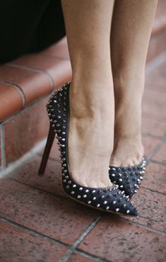 Dress them up or dress them down...these spike heels are amazing! From http://couldihavethat.com/2013/12/silver-and-spikes.html  Photo Credit: http://arnabee.com/
