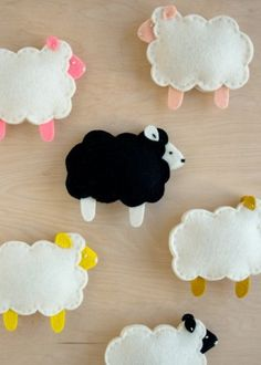 Purl Soho's Little Lamb Finger Puppets | The Purl Bee