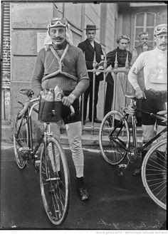 Gran Prix Wolber 1909, Critérium Français Peugeot. 1^Tappa, 18 aprile. Parigi > Tours. Emile Georget (1881-1960) (Agence Rol) [gallica.bnf.fr / Bibliothèque nationale de France]