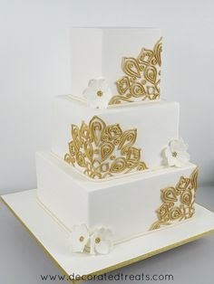 Here is how to make gold fondant lace without any lace mats. Read on to learn how I created this gorgeous gold fondant lace with simple instructions and step by step photos. Square Wedding Cakes, Fall Wedding Cakes, Square Cakes, Elegant Wedding Cakes, Wedding Cake Designs, Henna Wedding Cake, Boho Wedding, Dream Wedding, Backless Wedding