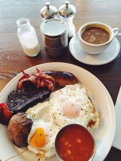 Full English at the Riding House Cafe in Fitzrovia | What the Elle