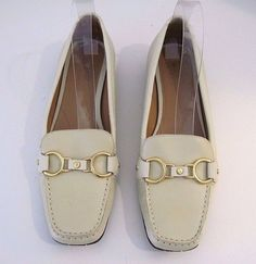 COLE HAAN NIKE AIR Cream Leather Loafers Flats Gold Tone Front Buckle 9 B  ITALY