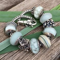 The True Beadz True Touch Marmor bead is absolutely stunning. There's a beautiful mix of blue, beige and green in it. Julia was kind enough to…