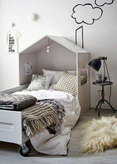 DIV children bed - styling Cleo Scheulderman - photo Alexander van Berge