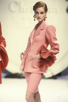 45 Amoureuse Christian Dior, Spring-Summer 1992, Couture | Christian Dior  Christian Dior, Spring-Summer 1992, Couture | Christian Dior