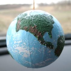 3D textured globe project tutorial.  This is surprisingly easy, and would be a great assessment activity or project to go along with a geography/earth science unit.