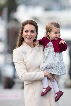 Catherine Duchess of Cambridge and Princess Charlotte of Cambridge depart Victoria on October 1 2016 in Victoria Canada