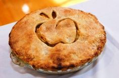 Яблочный пирог – очень вкусный, экономный рецепт и простой в приготовлении