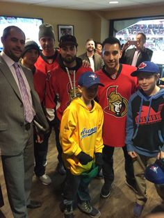 Ottawa Senators defenceman Chris Phillips and his sons pose with Toronto Blue Jays Ryan Goins, Justin Smoak, Kevin Pillar and Marco Estrada at a Sens game on 2016 Kevin Pillar, Justin Smoak, Hockey, Baseball, Jay Ryan, Toronto Blue Jays, Ottawa, Chicago Cubs, Disney Movies