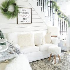 Have Yourself A Merry Little Christmas | Christmas Decor | Christmas Decorating Ideas | Rustic Christmas Decor | Rustic Style | Rustic Decor | Farmhouse Christmas Decor | Farmhouse Decor | Joanna Gaines | Fixer Upper