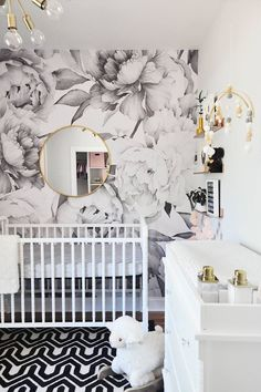 Modern baby room ideas modern black white and gold nursery with graphic floral print modern baby girl room ideas Gold Nursery, Nursery Modern, Floral Nursery, Nursery Wall Decor, Nursery Design, Nursery Room, Baby Room, Nursery Floral Wallpaper, Kids Bedroom