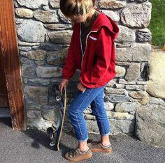 😍 // LA FOLIE NO NAME // 😍 Pas encore vos sneakers NO NAME pour cet automne ? On vous propose un joli choix sur le site ! À adopter pour un super look streetstyle ! PRÊTS ? 🤙 ▪Dispo sur le site ____________________________________ #sneakers #noname #nonameshoes #basket #street #streetstyle #style #lookdujour #lookoftheday #tenuedujour #skateboard #skater #skateboarding #sweets #model #lookbook #skatergirl #chaussures #shoes #shoesaddict #fashionblogger #frenchblogger #igersfrance #trendy…