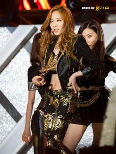 http://okpopgirls.rebzombie.com/wp-content/uploads/2013/05/SNSD-Taeyon-Dream-Concert-20.jpg