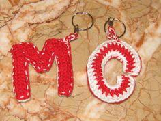 Letras em crochet - porta-chaves