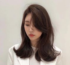 Today's hairstyle sharing - Hair Go Korean Medium Hair, Korean Hair Color, Korean Short Hair, Medium Hair Styles, Curly Hair Styles, Side Bangs Hairstyles, Permed Hairstyles, Pretty Hairstyles, Korean Hairstyles Women