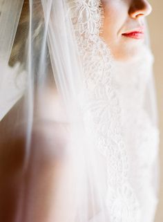 Lace veil/anna-be bridal boutique of Denver
