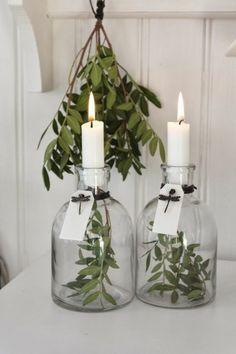 Weihnachtsdeko Landhausstil flaschen kerzen frische weihnachtsdekoration
