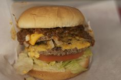 There's something special about the walk-up burger stand, that post-WWII staple of American eating that has slowly started to fade from view. California Food, Southern California, Burger Stand, Cast Iron Griddle, Burgers And More, Old School, Hamburger, Beef, Ethnic Recipes
