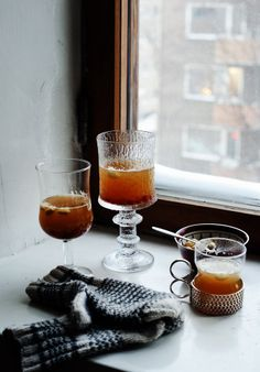 Spiced hot apple drink