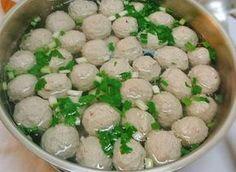 Resep Bakso Daging Gurih Kenyal Resep Bakso Daging Gurih Kenyal - Asslamau'alaikum, lagi rame sekarang kreasi masakan bakso, mulai d...