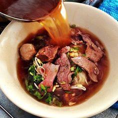 クイティアオ・ヌア・トゥン  タイ庶民の日常食を食べてみよう。おすすめタイ屋台飯15選(麺類編) | RETRIP[リトリップ]