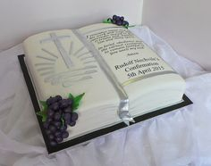Design was brought in by client, by unknown cake artist. Beautiful Cakes, Amazing Cakes, Open Book Cakes, Bible Cake, Cake Pops, Religious Cakes, Fab Cakes, Confirmation Cakes, First Communion Cakes
