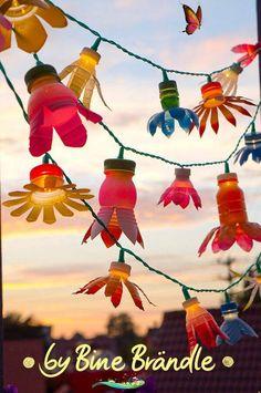 Sommer - Bine Brändle Sommer - Bine Brändle<br> Sommer Diy Garden Projects, Diy Garden Decor, Projects For Kids, Garden Art, Diy For Kids, Rocks Garden, Upcycled Crafts, Recycled Art Projects, Garden Ideas With Plastic Bottles