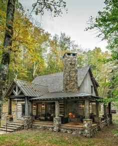 Small Log Cabin, Little Cabin, Log Cabin Homes, Log Cabins, Small Rustic House, Mountain Cabins, Rustic Home Design, Cabin Design, Mountain Home Exterior