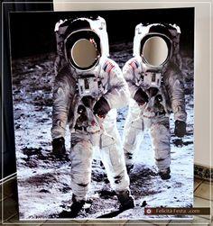 astronauts. photobooth idea