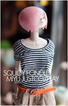 threeA Vinyl Figures, Action Figures, Hero Symbol, Food Sculpture, Ashley Wood, Vinyl Toys, Designer Toys, Character Design References, Toys Shop