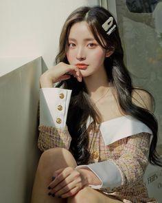 Cute Asian Ulzzang Korean Girl Fall Stylish Outfit Aesthetic Vintage r… Pretty Korean Girls, Korean Beauty Girls, Cute Korean Girl, Uzzlang Girl, Korean Girl Photo, Photographie Portrait Inspiration, Girl Korea, Ulzzang Korean Girl, Cute Girl Face