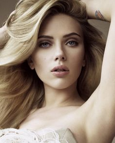 Showbiz Hottie: The One and Only Scarlett Johansson