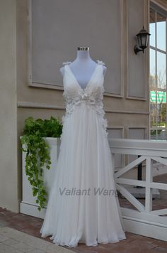Ivory Lace Chiffon V-neckline Wedding Dress Flowers Beaded Sheer Open Back Empire Waist Chiffon Prom Dress/ Beach Wedding Dress