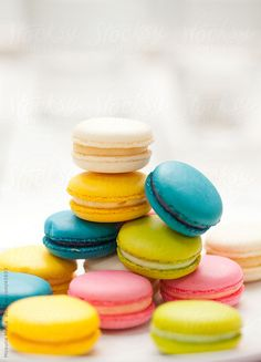 Colorful macaroons - so pretty for spring!