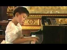 Yuja Wang: Debussy Arabesque No 1 in E major - YouTube
