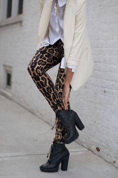 şık leopar desenli tayt kombin örnekleri