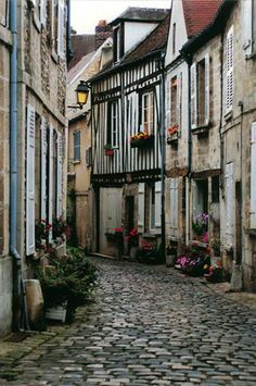Senlis - wonderful small town outside Paris