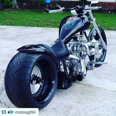 #Repost @motosgt94  #motosGT94 #ParVel #Biker #motero #motorista #motociclista #bikeride #bikerboy #BikerGirl #BikerLove  #harleydavidson