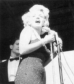 Marilyn in Korea, 1954.