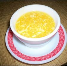 Super easy egg drop soup! oooh loooove egg drop soup!!