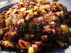 Recipe of The Day: Easy Corned Beef Hash Simple Corned Beef Hash, Canned Corned Beef Recipe, Corned Beef Recipes, New Recipes, Cooking Recipes, Healthy Recipes, Healthy Food, Special Recipes